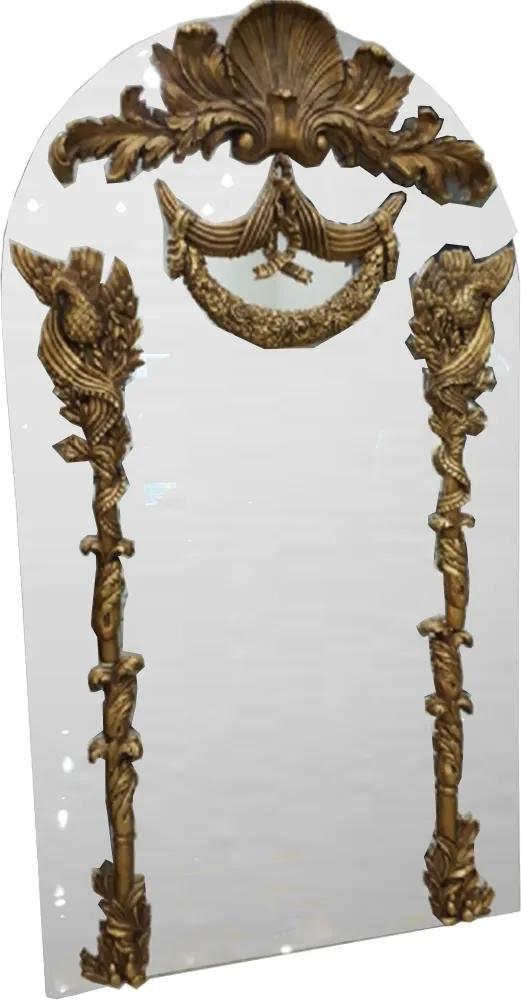 Espelho com Apliques Dourados Sobreposta ao Espelho