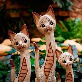 Trio de Gatos Brancos em Madeira Bali