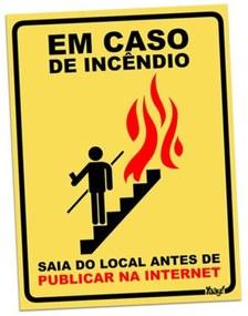 Placa em caso de Incêndio Geek10 - AMARELO