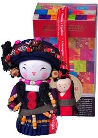 Boneca Decorativa Oriental Maonan Pequena em Tecido - 12x7 cm