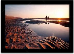 Pôster com Moldura Preta Casal ao Pôr do Sol na Praia Grande