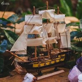 Barco Estilo Navio Pirata em Madeira
